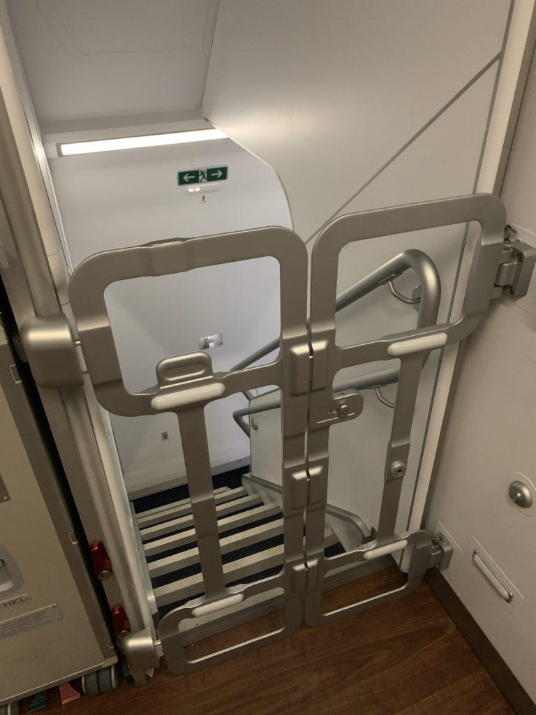 ANA A380(フライングホヌ) 階段