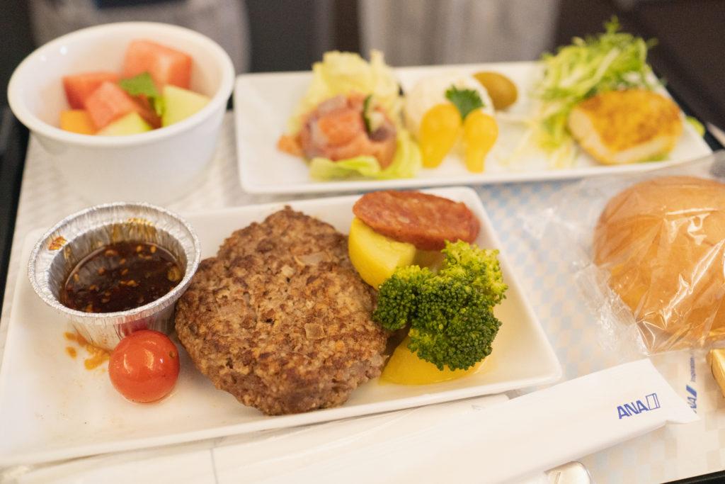 ANA A380(フライングホヌ) 機内食(洋食)