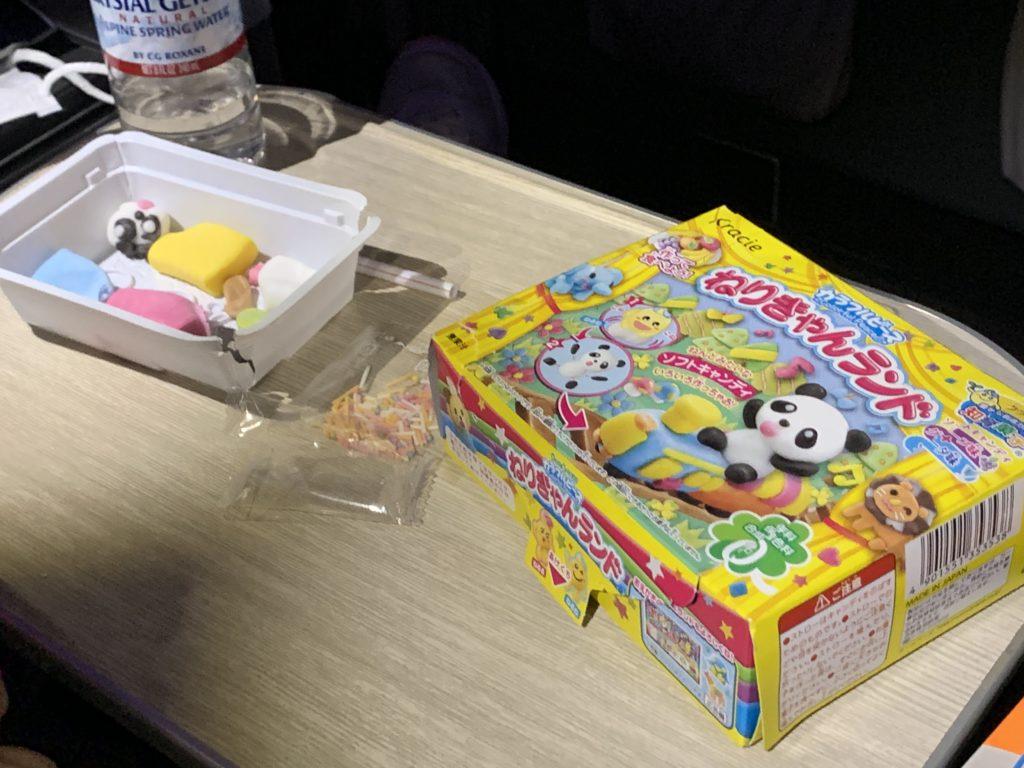 ANA A380(フライングホヌ)  遊べるお菓子
