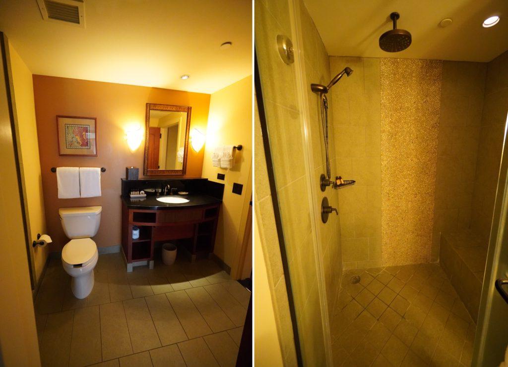 アウラニ 2ベッドルームヴィラ・オーシャンビュー バスルーム(シャワー・洗面所・トイレ)