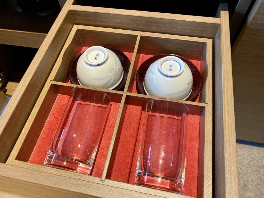 名古屋プリンスホテル スカイタワー  グラスと湯呑
