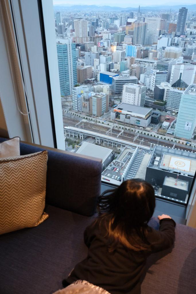 名古屋プリンスホテル スカイタワー の部屋からの眺望(新幹線)